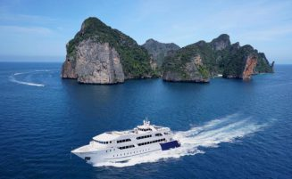 Phi Phi island tour by mini cruise